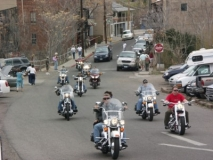 Bikers-in-Jerome-not-RVs