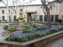 Tlaquepaque-courtyard-galleries