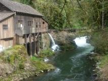 Water-turbine-powered-mill